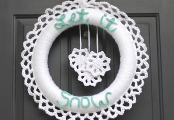 Winter Crochet Wreath