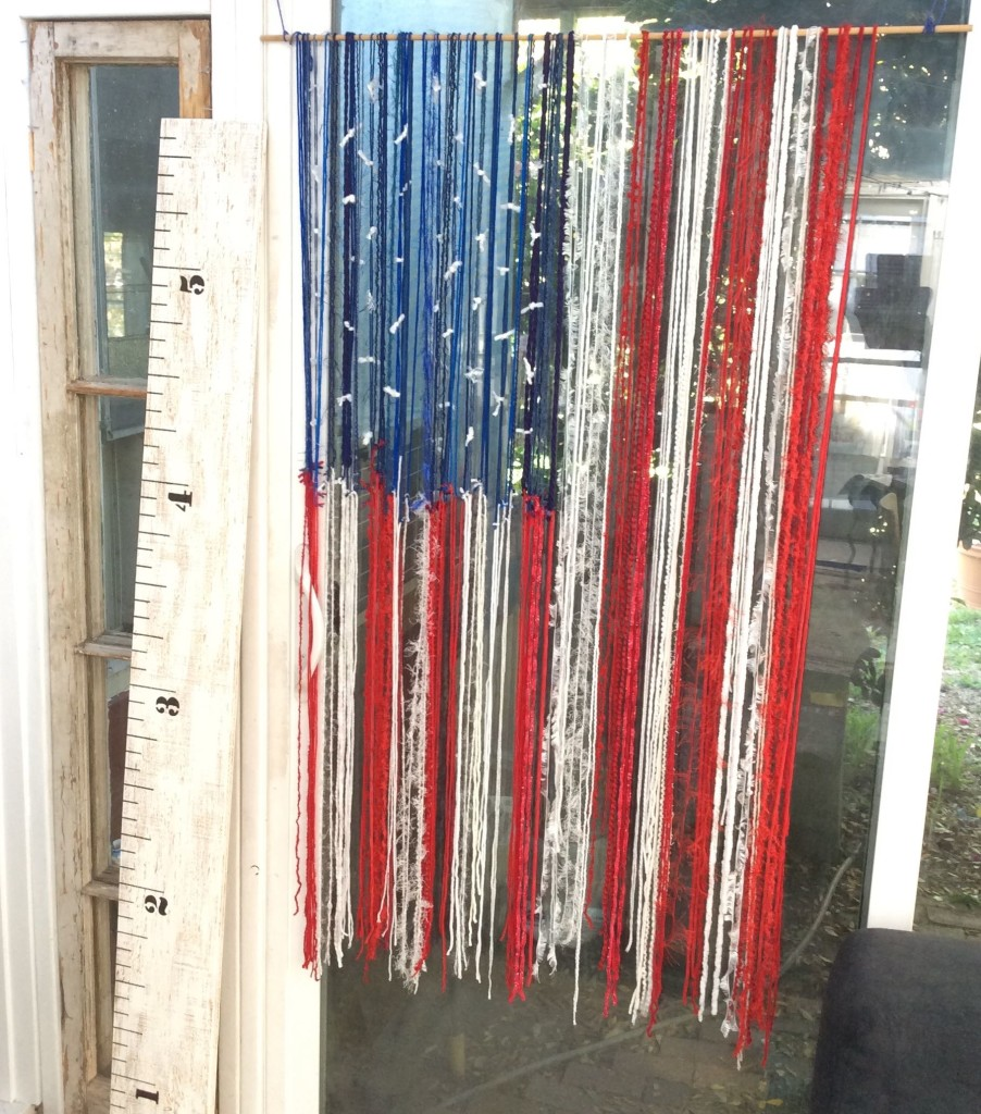 Memorial Day Yarn American Flag - An Easy Scrapbuster! - Stitch and ...
