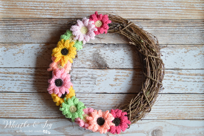 Crochet Flower Pattern Crochet Gerbera Daisy Wreath Stitch And Unwind