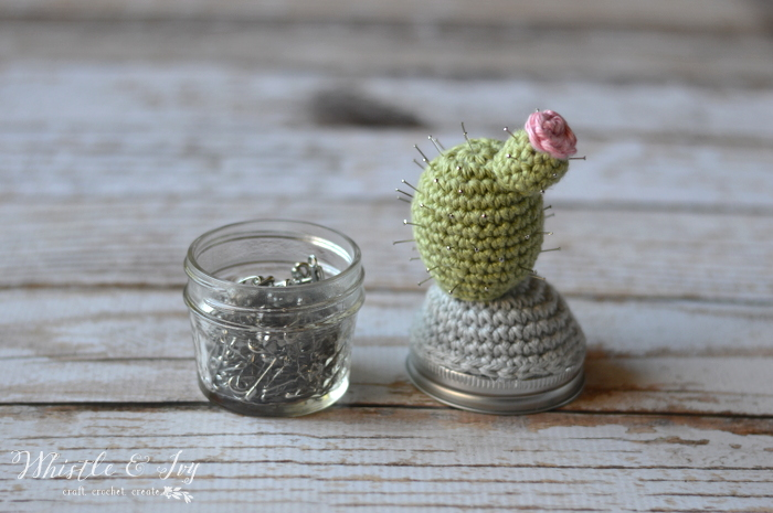 Free Crochet Pattern: Cactus Pincushion Jar | Make this adorable cactus pincushion jar to hold all your pins in one convenient place.